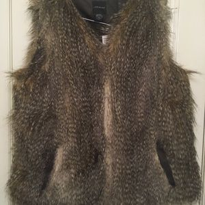 Lane Bryant Faux Fur Vest Size 14/16 NWT